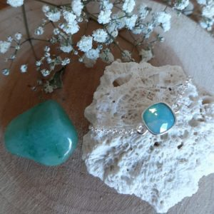 armband goud met vierkante blauwe steen