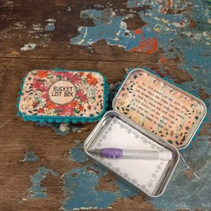 prayer box bucket list vrolijke bloemen en inspirerende tekst aan de binnenkant