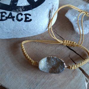 armband gevlochten bandje kleur oker steen grijs-zwart
