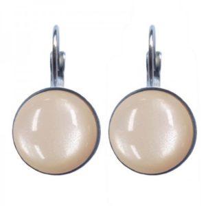 ronde oorbellen steen kleur creme. met zilveren afwerking