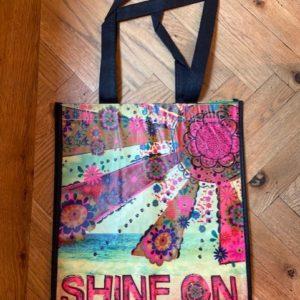 happy bag shine on. leuke gist bag van gerecyclede water flessen