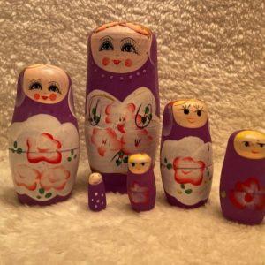 matroesjka 7 poppetjes in de kleur paars