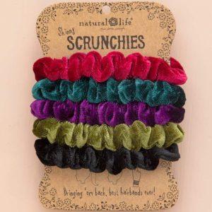 velvet scrunchie set. 5 stuks. kleuren: bordeaux groen paars olijf en zwart