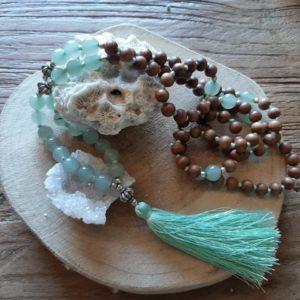 Mala ketting met bruine kralen en jade met tassel
