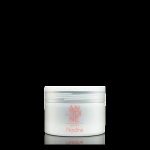 doorschijnende pot met merk antoine pour toi erop. met daarin een haarmasker nadine: Naast kastanje bevat dit masker tarwe extract dat effectief zorgt voor 80% minder haarbreuk