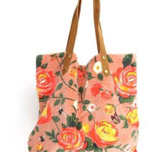 euke stoffen shopper roze achtergrond met daarop gekleurde rozen in rood en geel