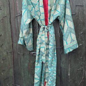 super mooie kimono in de kleur mint met strikceituur en barok patroon