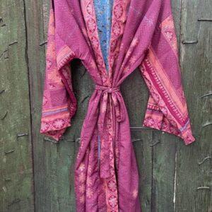 super mooie lange kimono in de kleur fuchsia en licht roze
