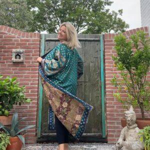 lange zijden kimono in de kleur patrol en bruin dubbelzijdig te dragen